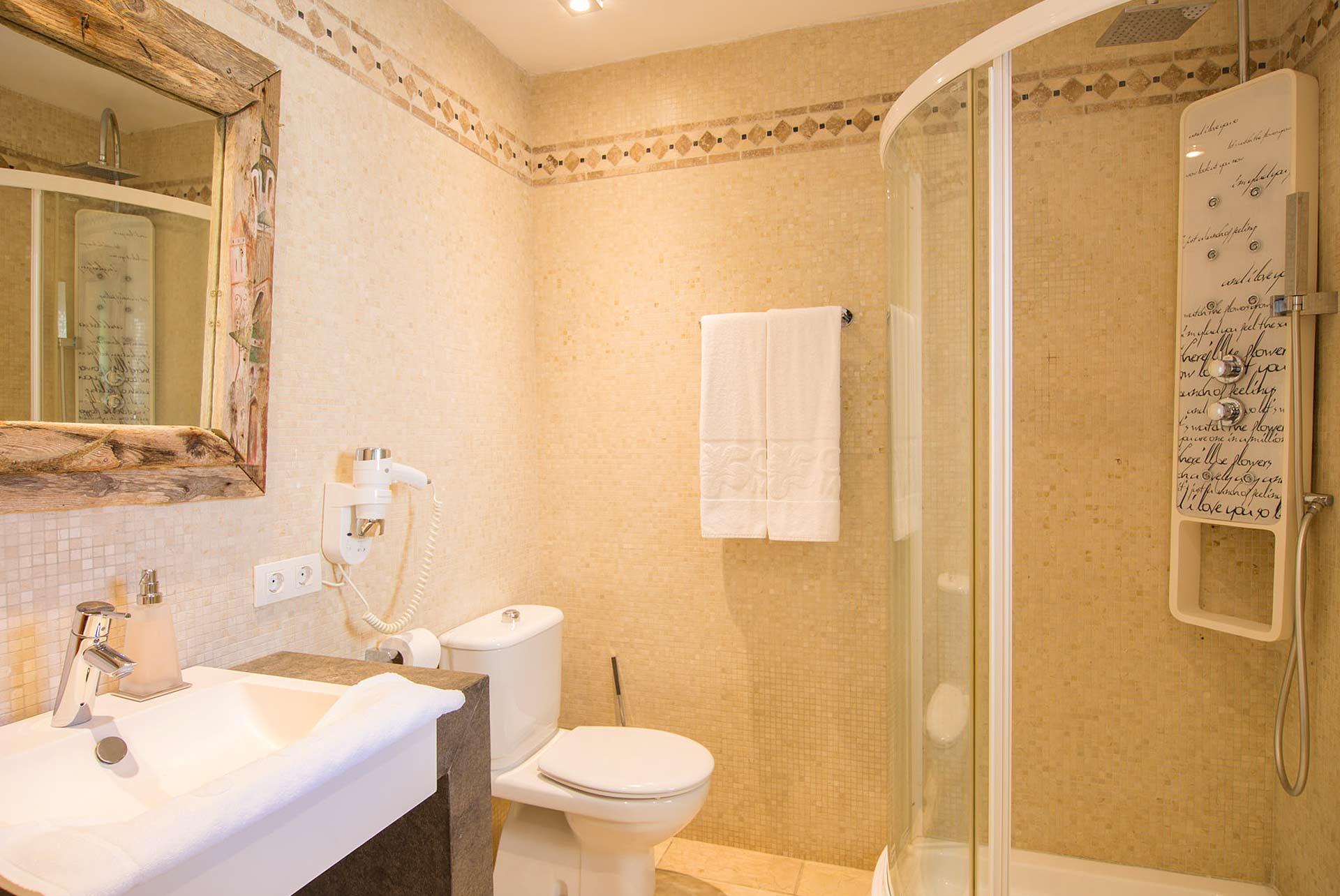 Boutique hotel casa munich ibiza habitaci n doble for Hotel habitacion familiar ibiza