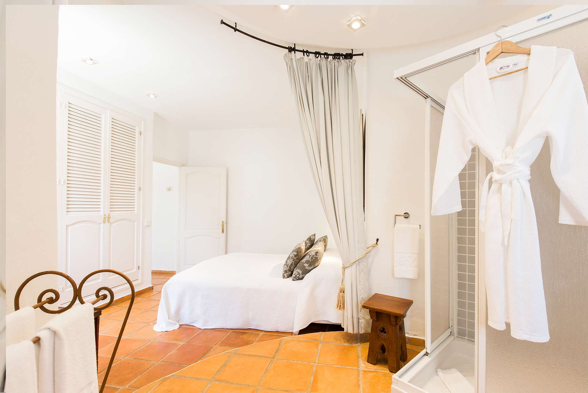 Boutique hotel casa munich ibiza suite for Boutique hotel ibiza